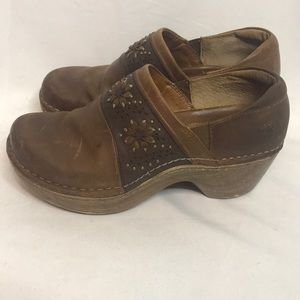 Ariat embroidered leather studded clogs mules